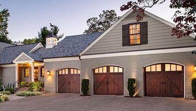 Wood Carriage House Garage Door Clopay1