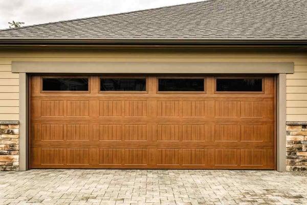 insulated-garage-door-with-wood-grain-finish