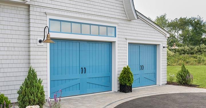 Should I Paint my Garage Door?