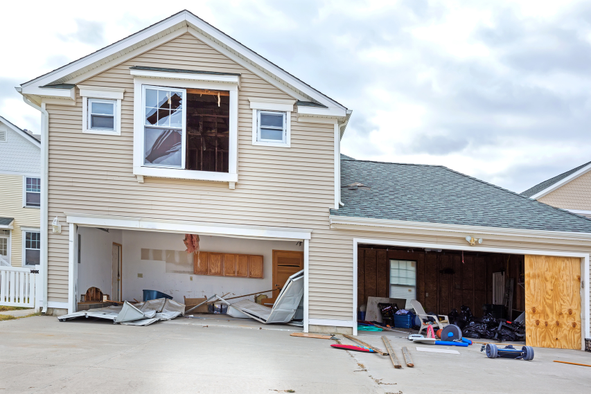 High Winds and Your Garage Door | Hurricane-Resistant Garage Doors