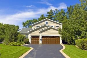DIY Garage Doors vs. Professional Installation